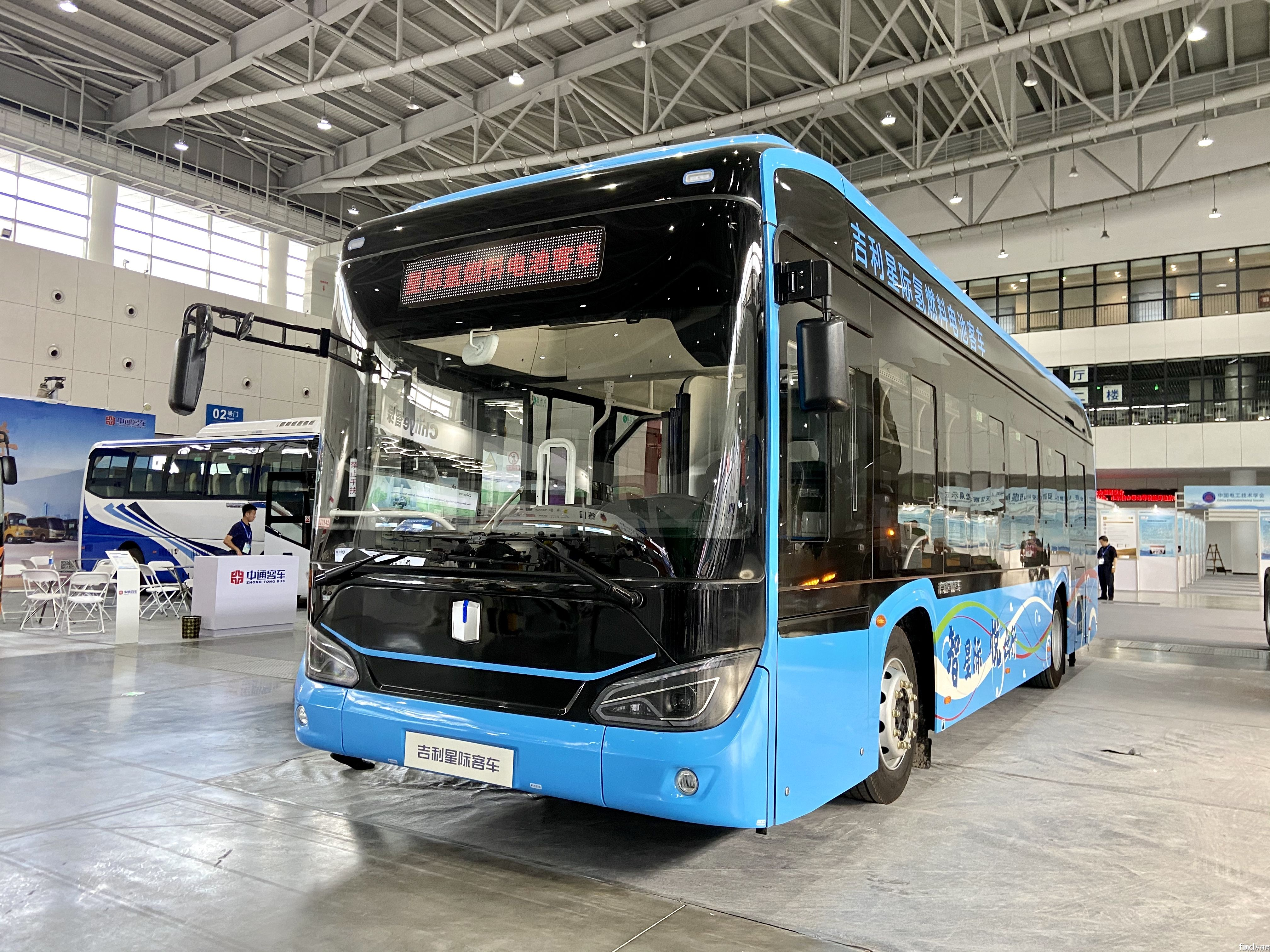 吉利星际客车1